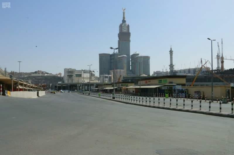 الداخلية تعلن منع التجول في مديني مكة والمدينة على مدى 24 ساعة حتى إشعار آخر