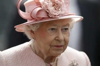 تفاصيل إصابة خادم ملكة بريطانيا بكورونا - المواطن
