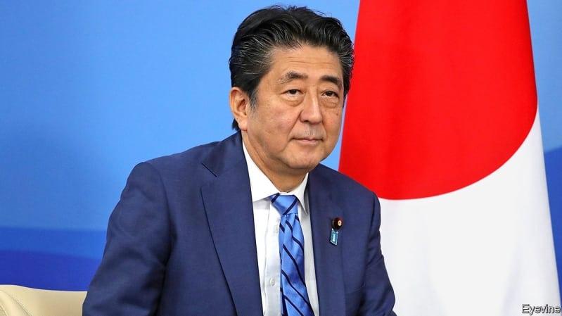 استقالة رئيس وزراء اليابان شينزو آبي بسبب التهاب القولون التقرحي - المواطن