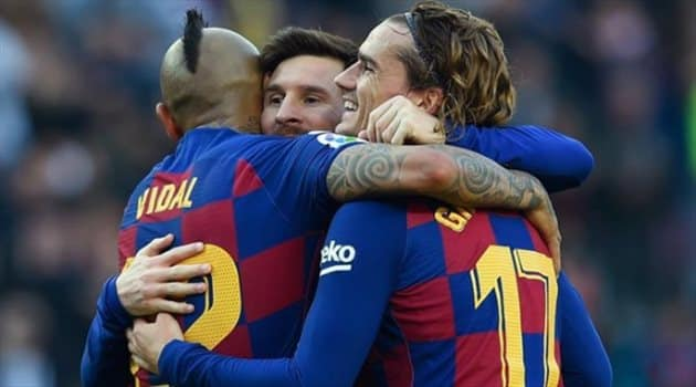 برشلونة يرضخ لمطالب نجومه بعد ثورتهم