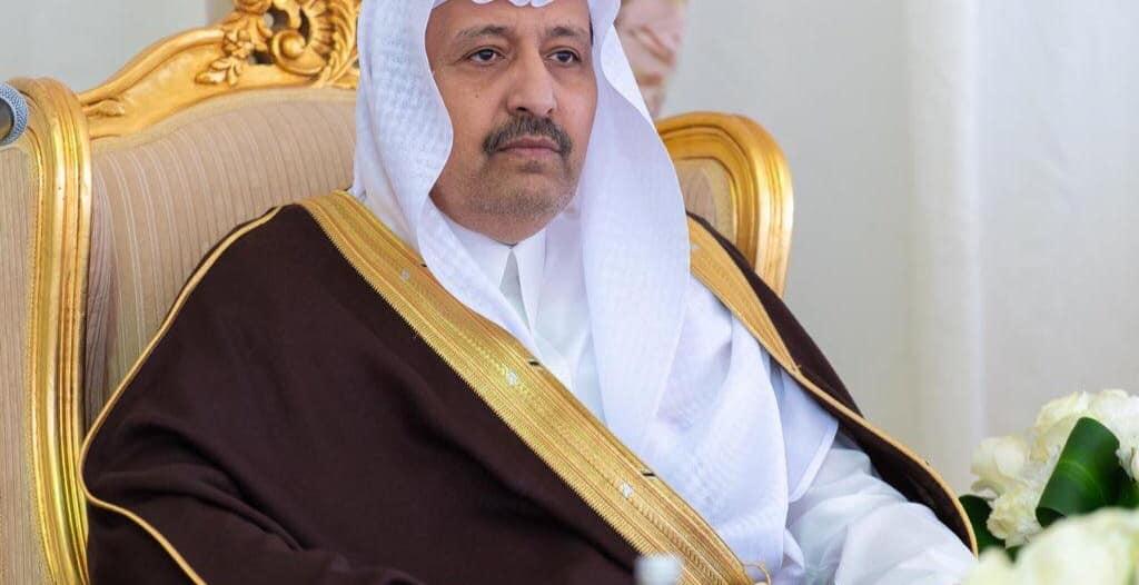 أمير الباحة يوجه بتعليق نظام البصمة مؤقتًا