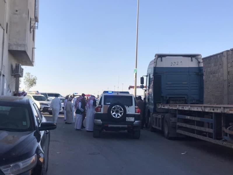 إغلاق 15 محلًّا وضبط 56 وافدًا مخالفًا في الرياض