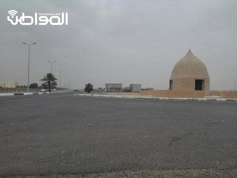 صورة لساحة بيع الاغنام بأحد المسارحة بجازان