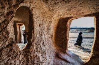 البيوت المنحوتة في الجبال.. آثار سعودية بشهرة عالمية - المواطن