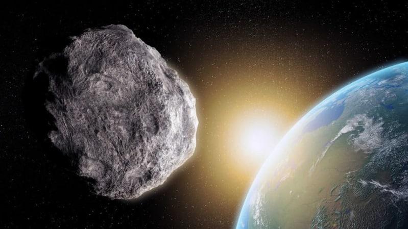 فلكية جدة تكشف حقيقة اصطدام كويكب بالأرض
