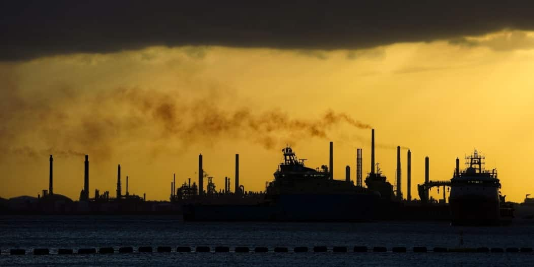 واحدة من أكبر شركات تجارة النفط بالعالم تعلن إفلاسها