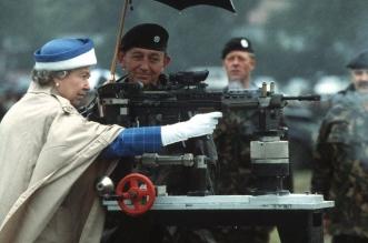 في عيد ميلاد الملكة إليزابيث.. من ميكانيكي دبابات الحرب إلى اعتلاء العرش - المواطن