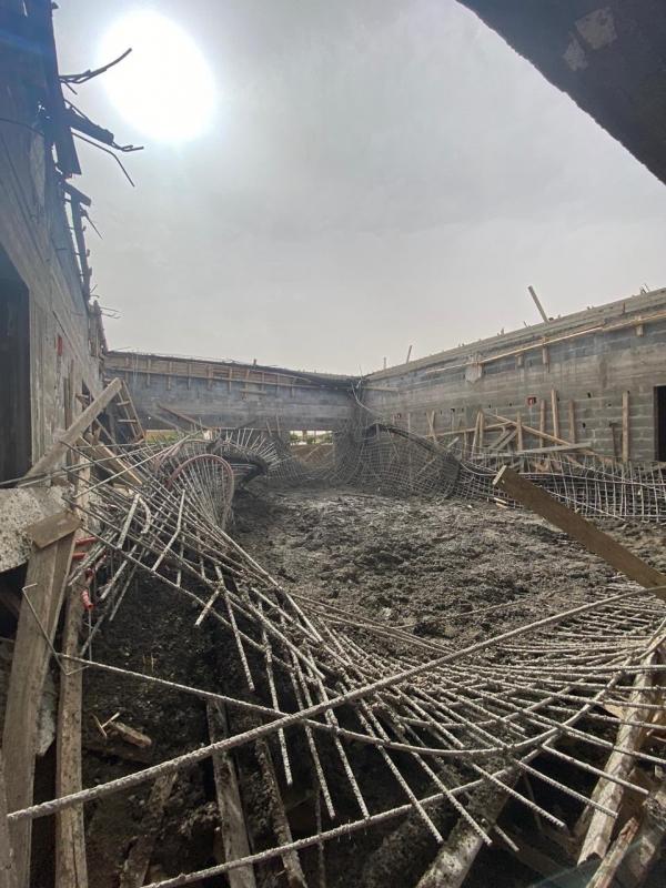 3 إصابات إثر انهيار سقف فيلا تحت الإنشاء بالبدائع