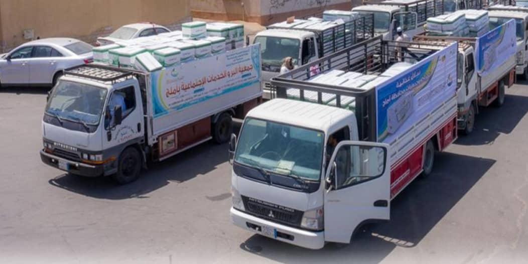 بر أملج توزع 2400 سلة غذائية ضمن حملة يدًا بيد