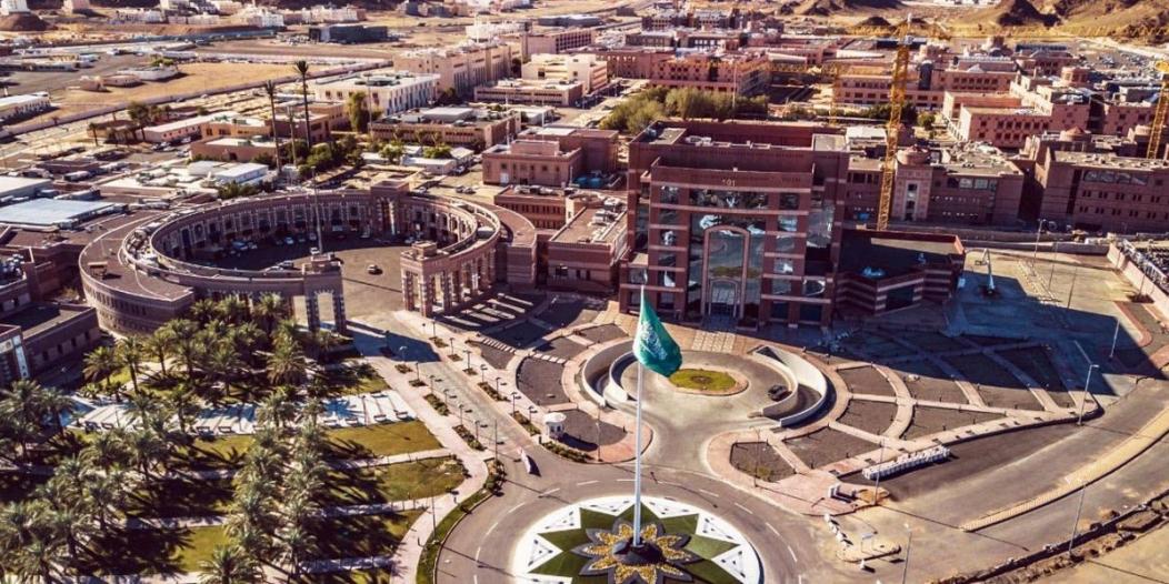 جامعة طيبة تدعو أولى دفعات المرشحين لتأكيد قبولهم