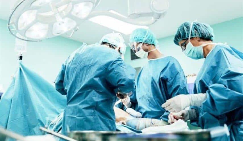 تدخل طبي ناجح ينقذ حياة مصاب في بيشة