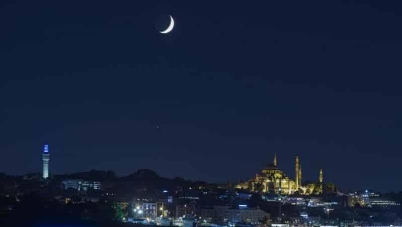 الدول التي أعلنت رمضان اليوم .. و 12 دولة تصوم غدًا