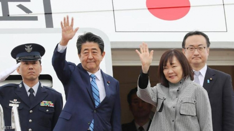 زوجة رئيس وزراء اليابان في محل الانتقاد.. زارت ضريحًا مع 50 شخصاً!