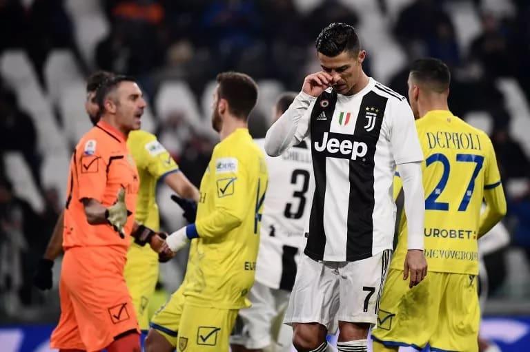 حارس كييفو يكشف سبب رفض رونالدو منحه قميصه