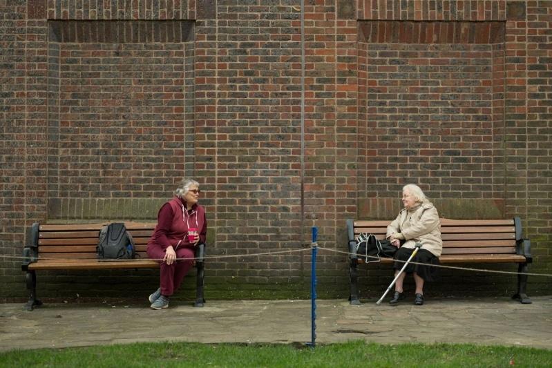 قوانين الإغلاق والتباعد الاجتماعي قد تستمر إلى 2021