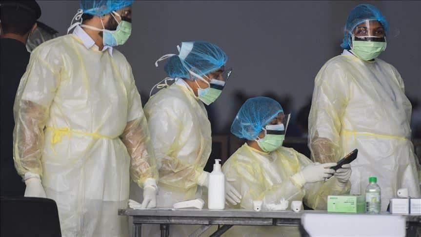 عُمان تسجل 576 إصابة جديدة بفيروس كورونا