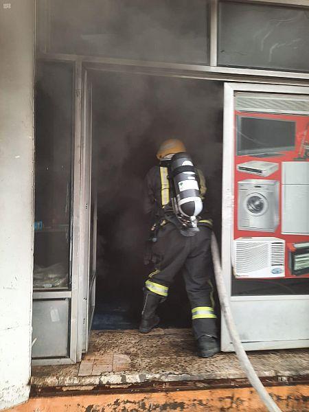 السيطرة على حريق اندلع في معرضين للمفروشات بالبدع - المواطن