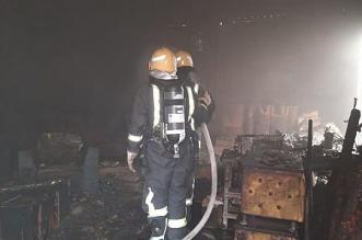 مدني محافظة البدع يسيطر ويخمد حريقاً اندلع بمعرضين للمفروشات بالمحافظة