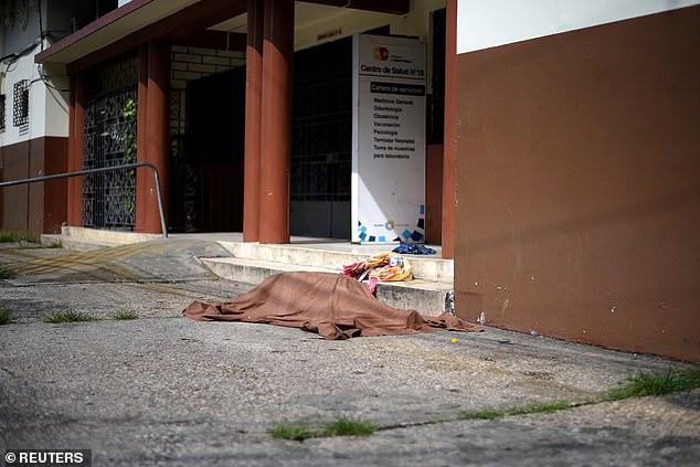 مناظر مروعة.. مدينة بالإكوادور تشهد إلقاء عشرات الجثث في الشوارع