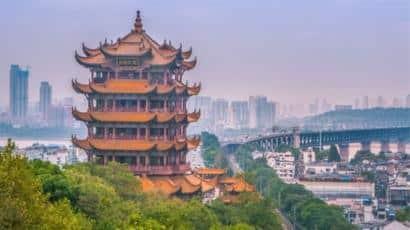 الصين ترفع آخر القيود عن مدينة ووهان بؤرة تفشي كورونا - المواطن