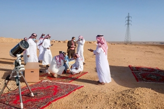 فيديو وصور.. لجنة الترائي في حوطة سدير تستعد لرصد هلال رمضان - المواطن