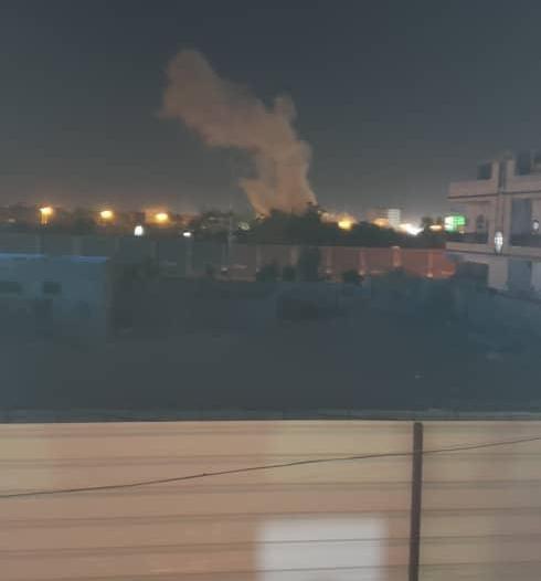 بالتزامن مع وقف إطلاق النار.. الحوثي يستهدف الأحياء السكنية بالمدفعية