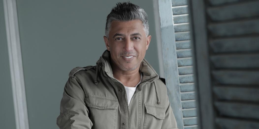 فيديو.. عمر العبداللات يشهر سلاحه أمام الكورونا