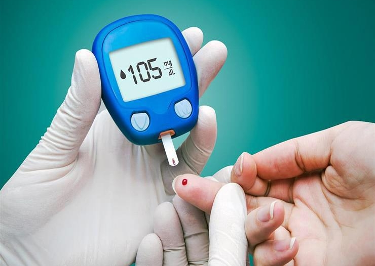 سوار ذكي لقياس مستويات السكر في الدم