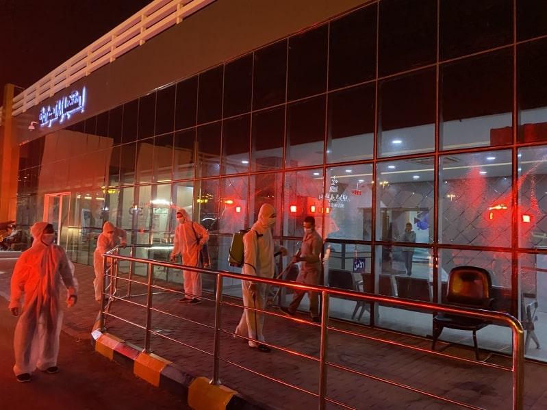 تعقيم مداخل مستشفى الملك خالد المدني بتبوك