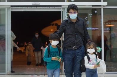 مطار القصيم يستقبل أولى الرحلات المخصصة لعودة المواطنين من الخارج - المواطن