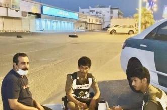 """فيديو.. """"المواطن"""" تشارك رجال الأمن وجبة الإفطار في الدرب - المواطن"""
