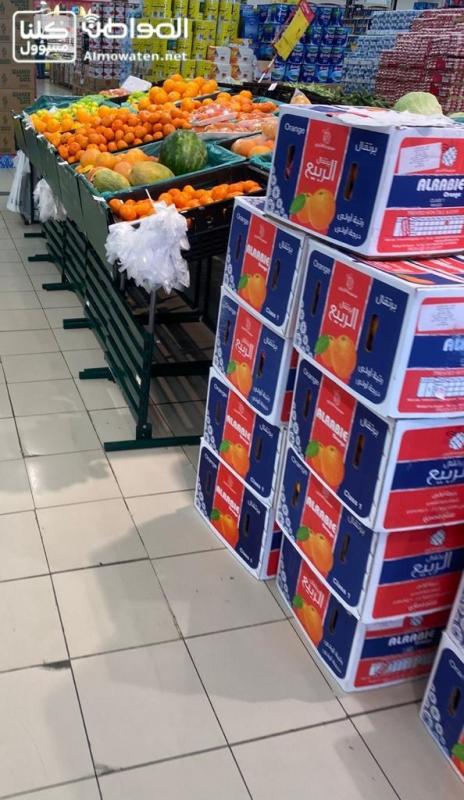 صور.. إجراءات وقائية داخل المتاجر والمراكز الغذائية بالباحة