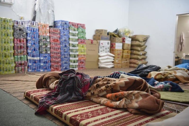 أمانة تبوك تداهم مسكن عمالة مخالفة وتضبط مواد غذائية فاسدة