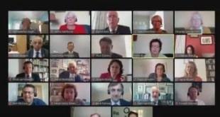 فيديو.. موقف محرج لوزير بريطاني في مؤتمر عبر الفيديو