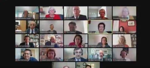 فيديو.. موقف محرج لوزير بريطاني في مؤتمر عبر الفيديو - المواطن