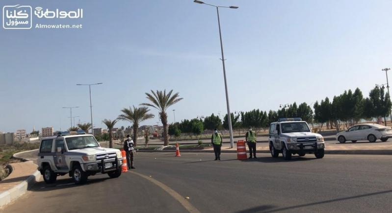 """""""المواطن"""" ترصد جهود رجال الأمن لتطبيق منع التجول بمحافظة البرك"""