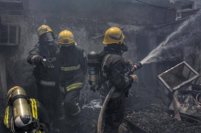 إخلاء 15 شخصًا في حريق شقة سكنية بضباء
