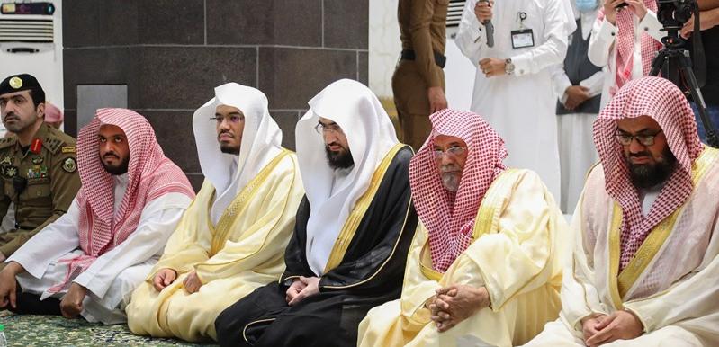 الشيخ السديس: رمضان فرصة لأن نبتهل لله بأن يرفع هذه الجائحة - المواطن