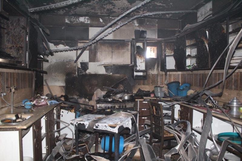 إصابة عاملة منزلية في حريق مطبخ بسكاكا