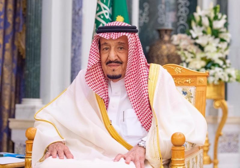 الملك سلمان يتلقى رسالة خطية من ملك البحرين