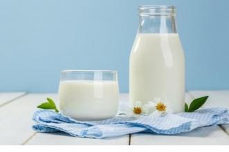 هل ينجح الحليب منزوع الدسم في تأخير الشيخوخة؟ - المواطن