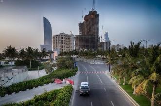 التزام المواطنين والمقيمين بمحافظة جدة بأمر منع التجول الكلي وسط جهود مكثفة للجهات الأمنية