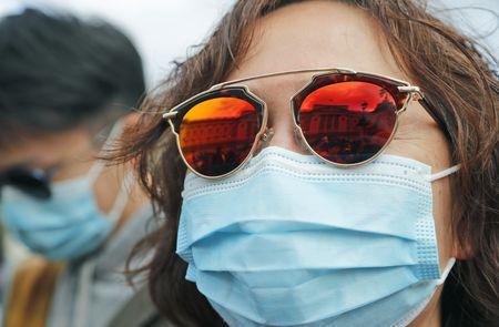 ثلاث دراسات تؤكد: الصيف لا يوقف انتشار فيروس كورونا