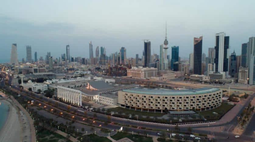 الكويت تطبق حظر التجول الشامل حتى نهاية مايو