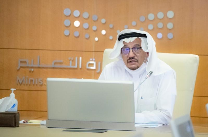 آل الشيخ يقود مرحلة تاريخية ومواطنون ومعلمون: شكرًا وزير التعليم