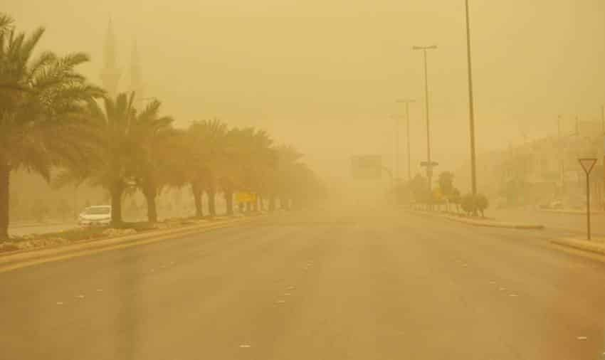 حالة الطقس اليوم .. رياح تثير الغبار على هذه المناطق