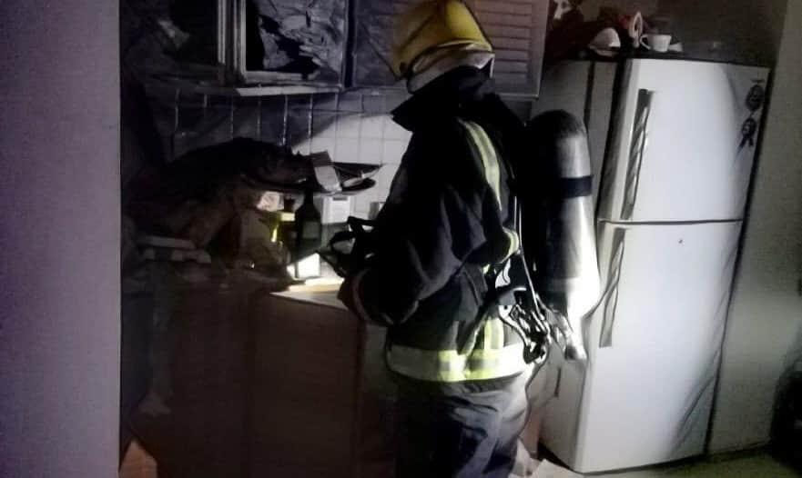 إهمال أثناء الطهو ينتهي بحريق في شقة بالمدينة المنورة
