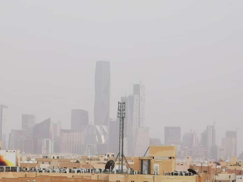 الأرصاد: ذرات الغبار في الرياض غير صحية