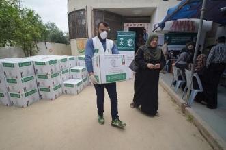 مركز الملك سلمان للإغاثة يواصل توزيع السلال الغذائية الرمضانية في الضفة الغربية وقطاع غزة7