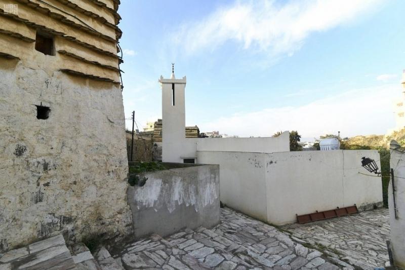 مسجد النصب التراثي.. مبني من الحجر والطين وسقفه من جذوع العرعر - المواطن